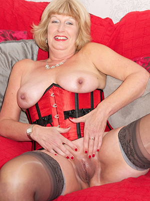 gorgeous sexy old mature women pictures