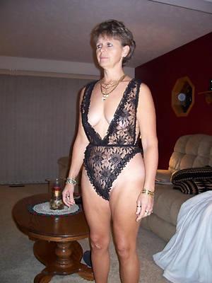 slutty mature ladies 60 nude pics