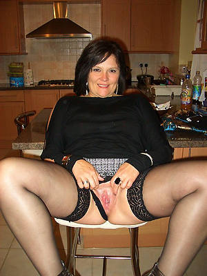 beautiful mature upskirt pussy nude gallery