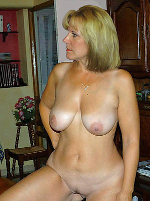 naked  wives mature