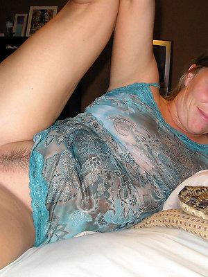 fantastic nude mature girlfriends