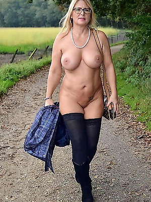hotties women nearly glasses pics