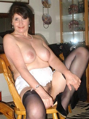 crazy mature women all round swaggering heels pics