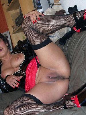 curvy mature milf in heels pics