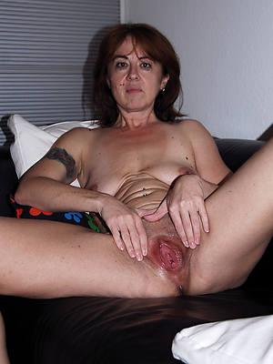 slutty mature vulvas porn pictures