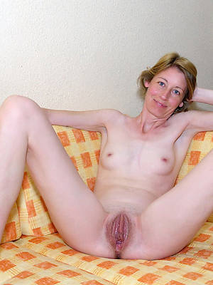 falter nude skinny mature thumbs