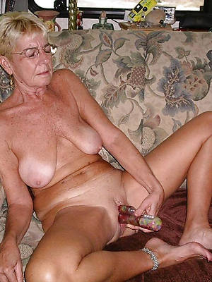 perfect erotic grown-up grannies nude pics