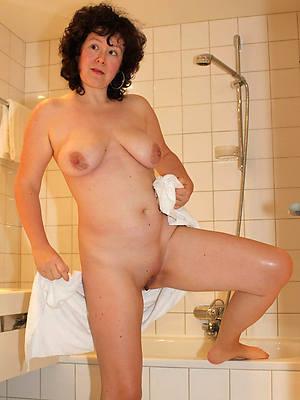 hotties domineer mature shower nude pics