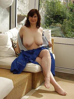 superb mature womens feet nude pics