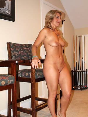 bonny mature nude women love porn