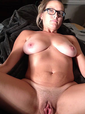 mature humble breasts stripped