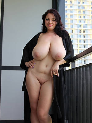 xxx natural mature women nude photos