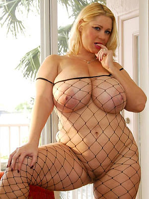 bared chubby mature wife stripped
