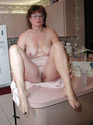 unorthodox pics of mature women in glasses