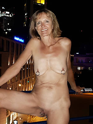 perfect big old saggy breast nude pics
