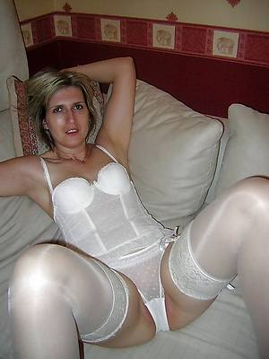 hotties mature skirt in lingerie