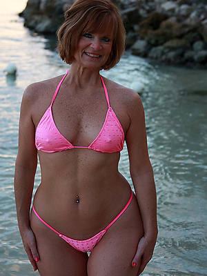 women at hand bikinis porn pics