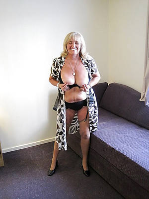 mature body of men 60 stripped