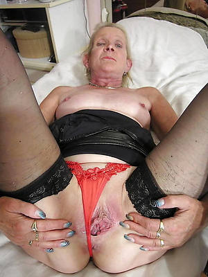 perfect mature milf 60 nude pics