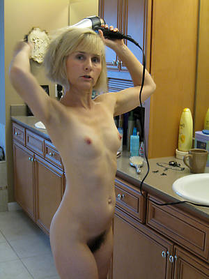 mature nude small tits