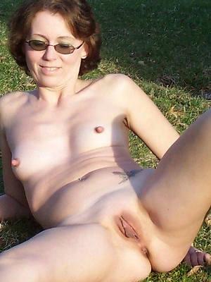 sexy hot mature women small jugs