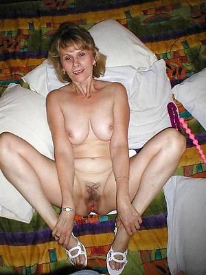 unshaved mature body of men posing nude