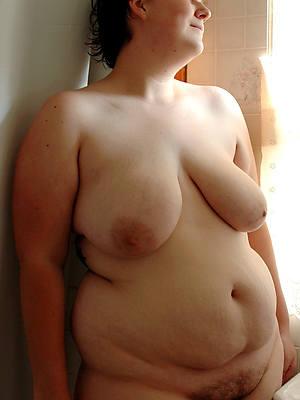 curious chubby mature ladies nude photos