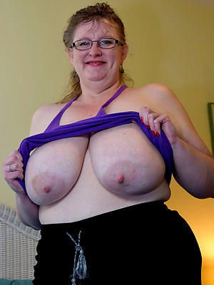 unconditional chubby mature pussy nude pictures