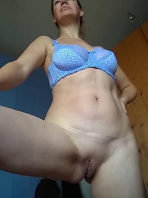 perfect titillating mature alone homemade pics