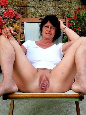 xxx easy mature women vaginas porn pictures
