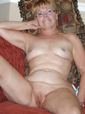 perfect mature blonde naked pictures