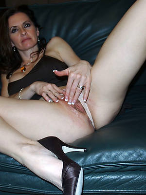 xxx full-grown legs and heels porn pictures