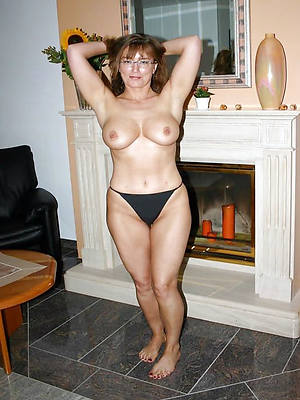 unconforming pics of mature ladies in panties