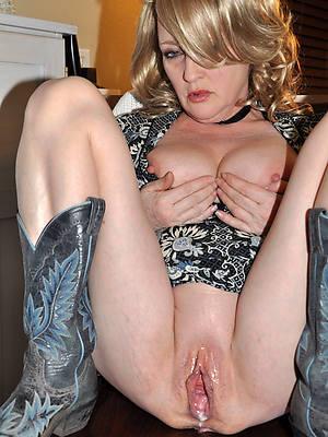 mature milf creampie posing nude