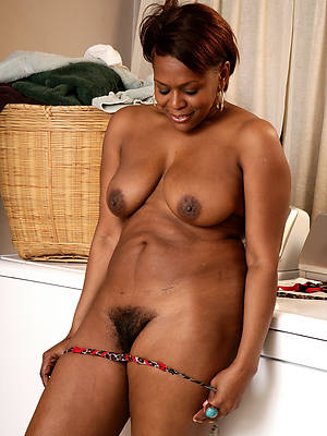 xxx mature black pussy nude pictures