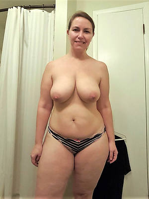 busty amatuer mature ladies surrounding panties