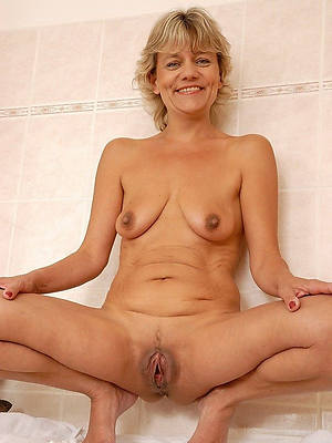 saggy mature boobs perfect body