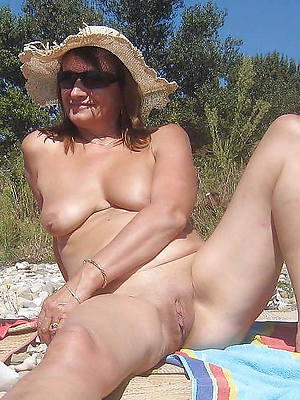 matures insusceptible to the seaside slut pictures