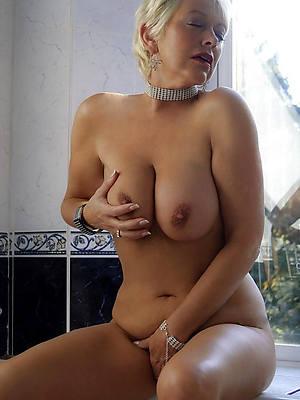 hot horny women pictures