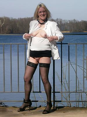busty amatuer aged lassie boobs pics