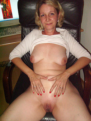 nasty hot mature milf markswoman