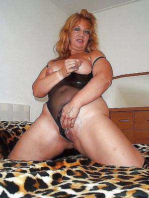 slutty mature latina pussy pics