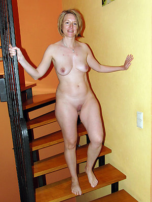 unsatisfactory mature naked legs