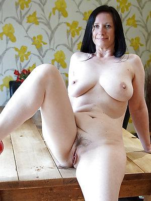 porn pics of mature unmask legs
