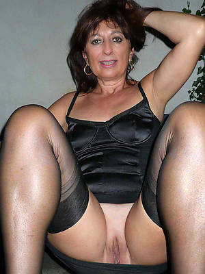 petite grown-up woman in stockings porn pics