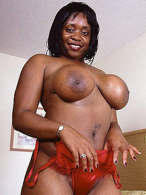 Lilliputian mature ebony mamas porn pictures