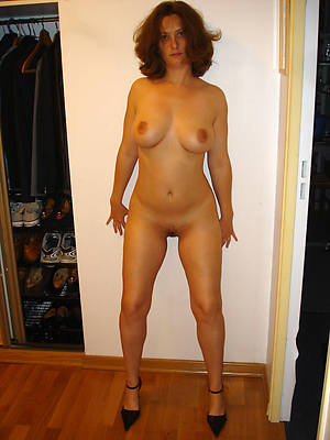 porn pics of X mature women in stockings and heels