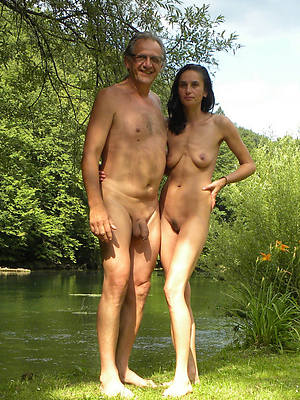 mature couple domicile stripped