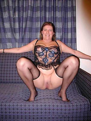 sexy cougar mom titties nude