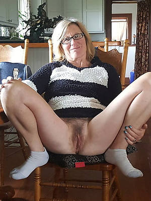 shove around amatuer mature older body of men pics